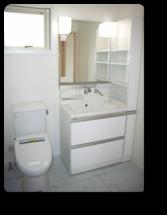越谷市H様邸2階のトイレ&洗面コーナー