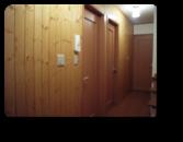 越谷市K様邸建主さんが3度塗りをした無垢材の壁